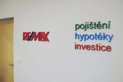 3D logo a nápisy